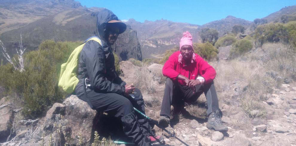 4 DAYS MOUNT KENYA CLIMBING NARO MORU SIRIMON ROUTE